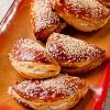 מאפה בלקני במילוי גבינת פטה וזיתים